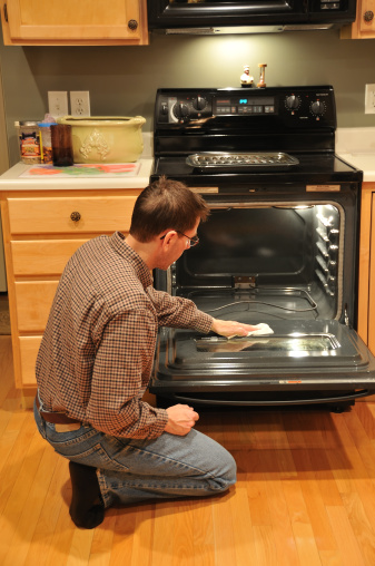 איך לנקות תנור?