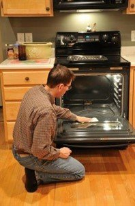 איך לנקות מכשירי חשמל?